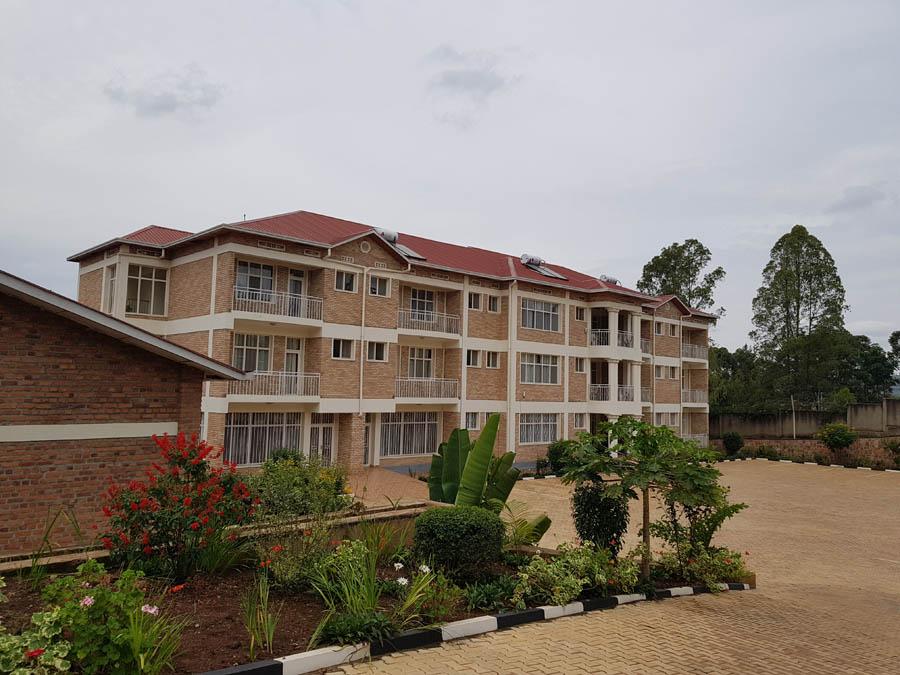 RWANDA thermosiphon apt building