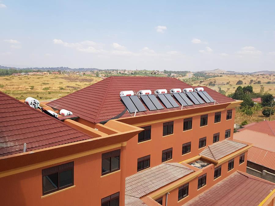 Uganda hotel thermosiphon
